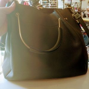 Handbags - Olive green leather tote